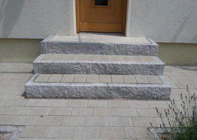 Treppe aus Granitsteinen